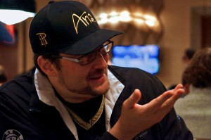 Phil-Hellmuth-Day-1C-2_End-2456x1632-300x199